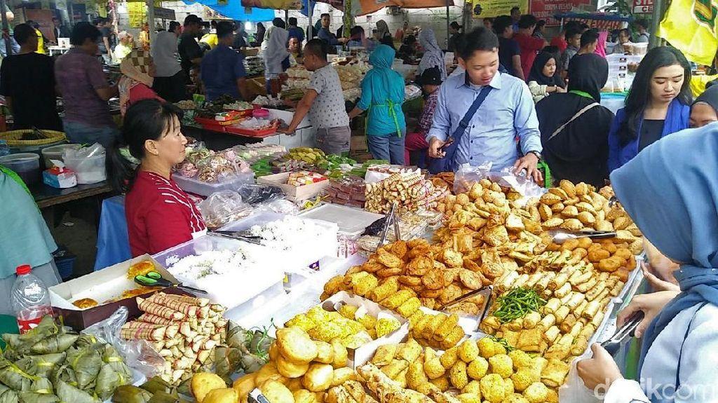 Foto: Pasar Benhil Si Surga Takjil