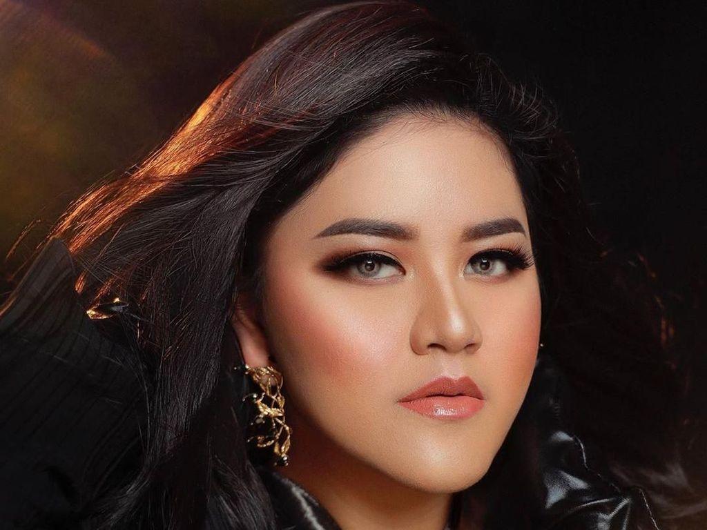 Pangling, Kahiyang Ayu Tampil bak Princess dengan Rambut ala Iklan Shampo