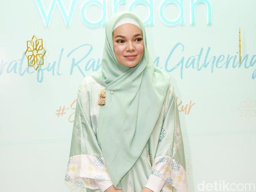 Dewi Sandra Dikabarkan Mulai Lirik Program Bayi Tabung