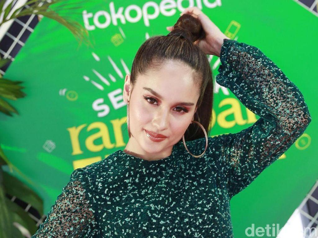 Cinta Laura Kiehl Rilis Teaser Vida