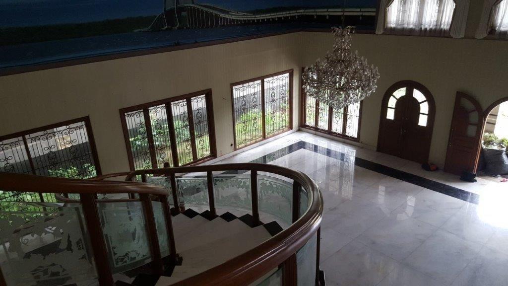 Mengintip Jeroan Rumah Mewah Fuad Amin yang Dilelang Rp 33 M
