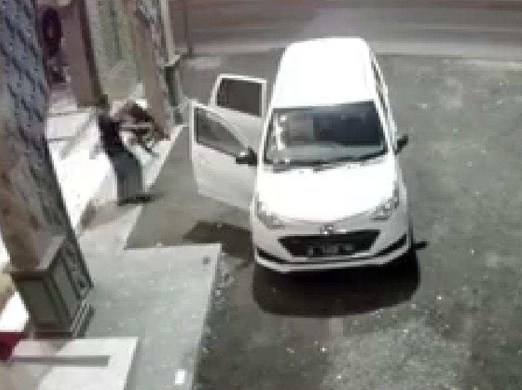 Lagi, Aksi Pencurian Kotak Amal di Mojokerto Terekam CCTV Masjid