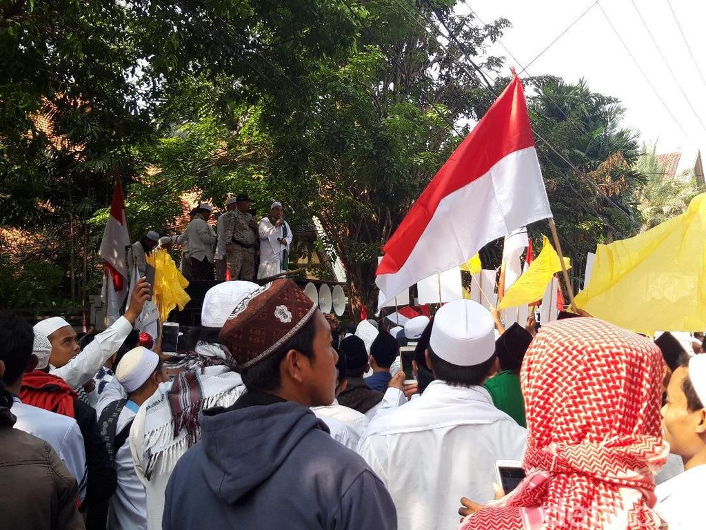 Demo di Bawaslu Jatim, Forum Umat Islam Ingatkan Soal Akhirat