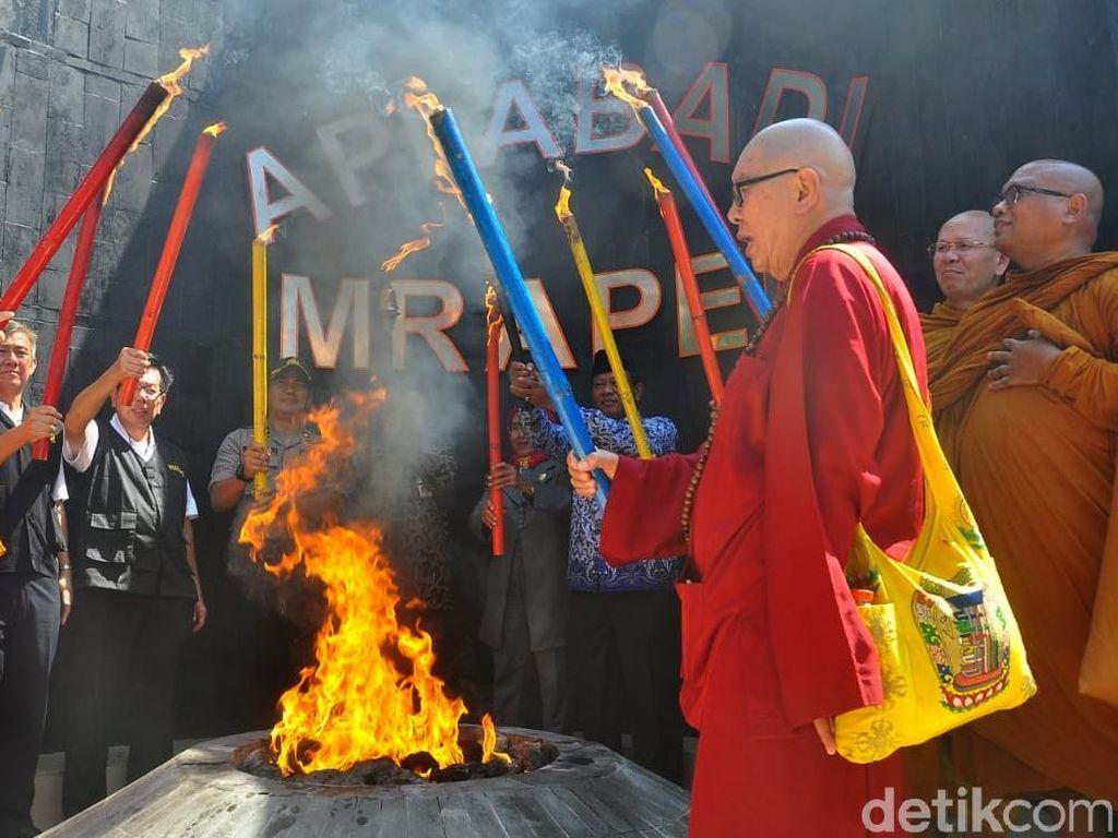 Api Dharma Peringatan Tri Suci Waisak Diambil dari Mrapen