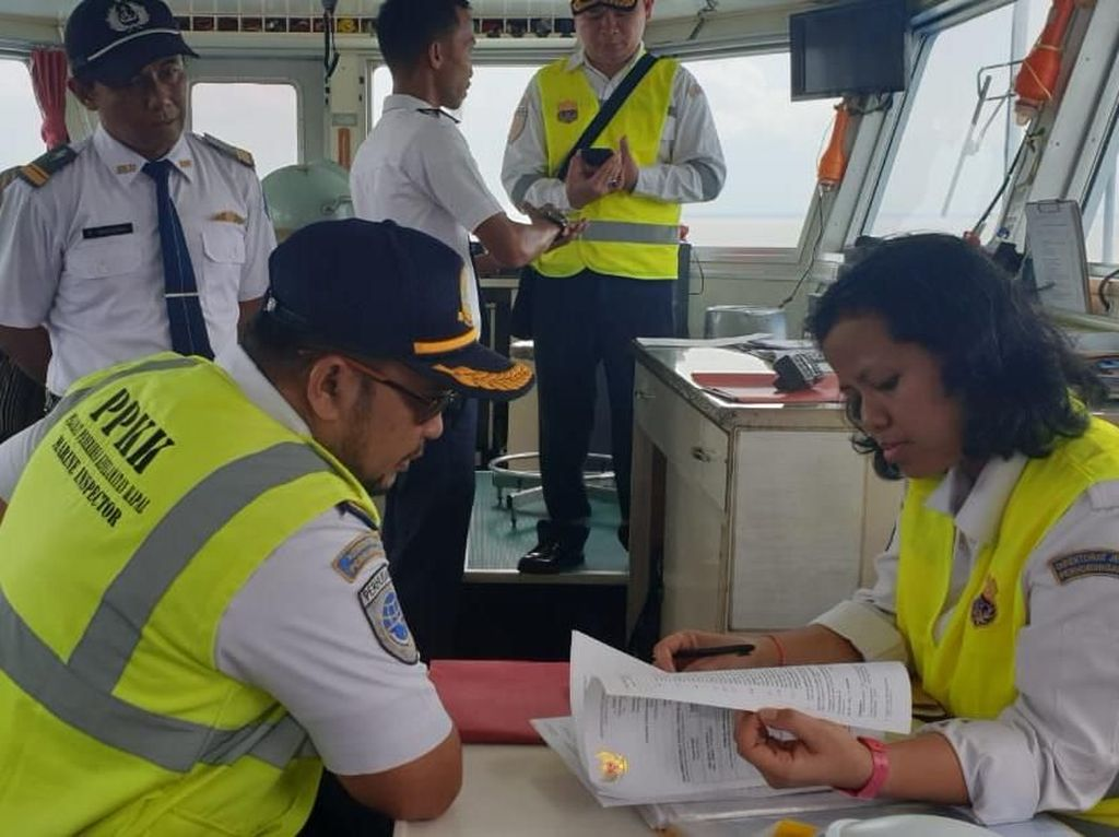 Ditjen Hubla Uji Kelaiklautan Kapal Cepat di Pelabuhan Boom Baru