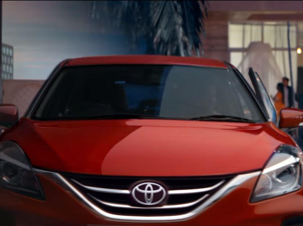 Suzuki Baleno VS Toyota Glanza, Apa Saja Bedanya?