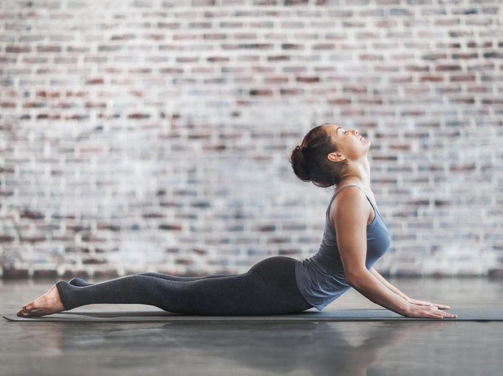Ladies, Coba 10 Pose Yoga Ini untuk Pemanasan Urusan Ranjang