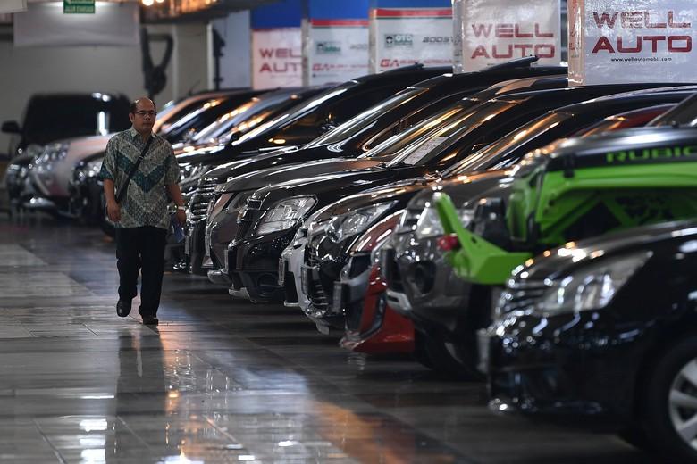 Ilustrasi penjualan mobil. Foto: ANTARA FOTO/Sigid Kurniawan