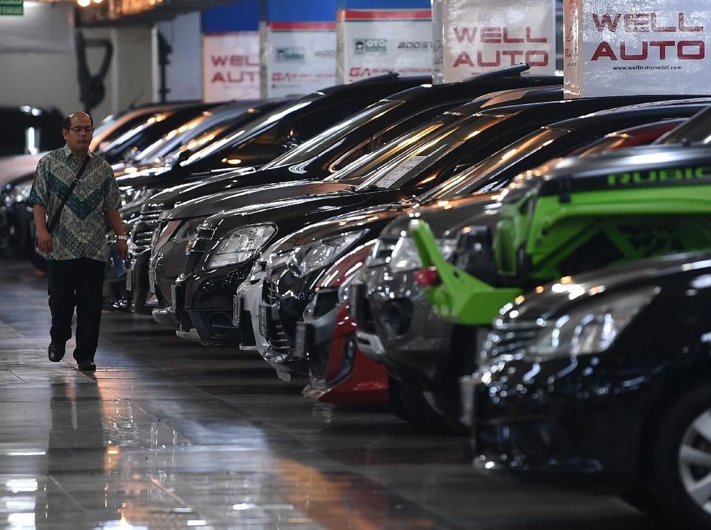 BBN Naik Bikin Penjualan Mobil Turun