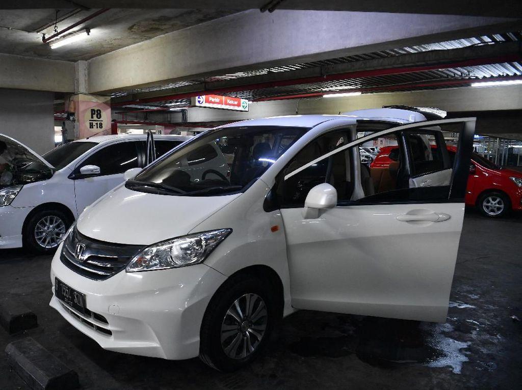 Diskon Mobil Baru Bertaburan Jadi Berkah Bagi Pelaku Usaha Mobil Bekas