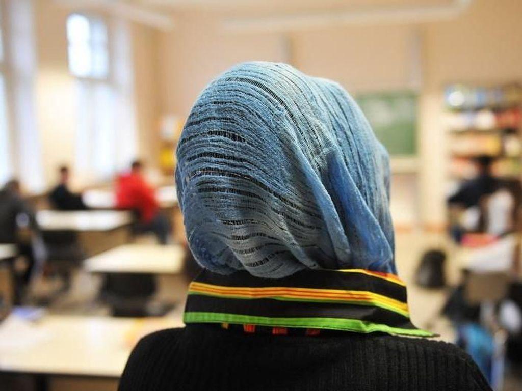 Austria Sahkan Larangan Penutup Kepala Agamis di Sekolah Dasar