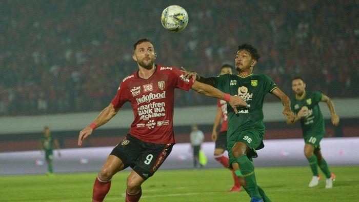 Persebaya Surabaya menelan kekalahan dari Bali United. (Foto: Nyoman Budhiana/Antara)