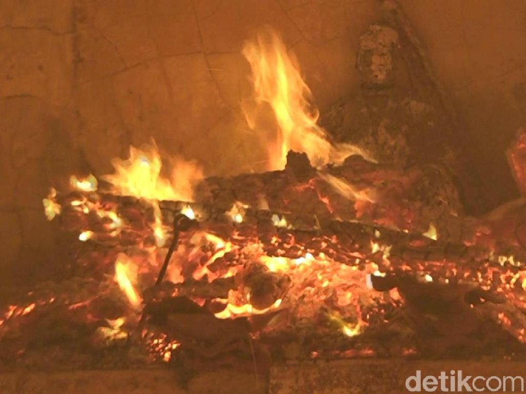 Ludes Terbakar, Kerugian Kelenteng Tri Dharma Capai Rp 2 Miliar