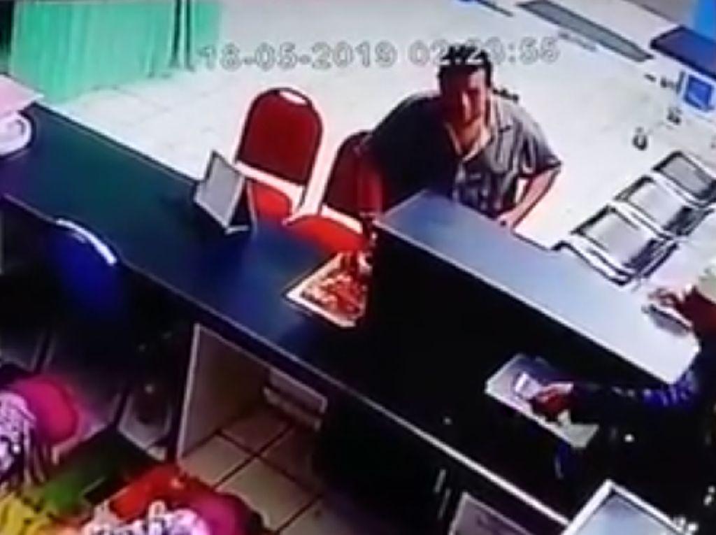 2 Pria Pencuri HP Perawat Terekam CCTV Viral