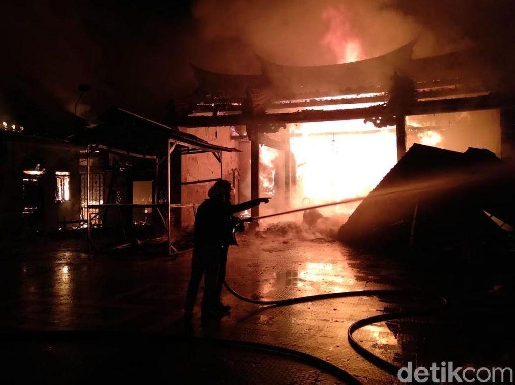 Kelenteng Tri Dharma Ludes Terbakar