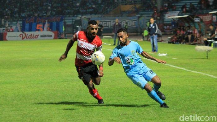 Pemain Madura United saat mengalahkan Persela Lamongan 5-1. (Foto: Eko Sudjarwo/Detikcom)