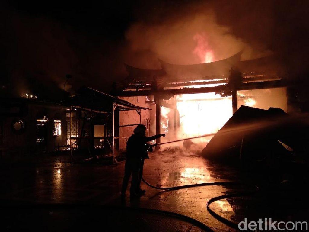 Kelenteng Tri Dharma Sumbernaga di Kota Probolinggo Terbakar