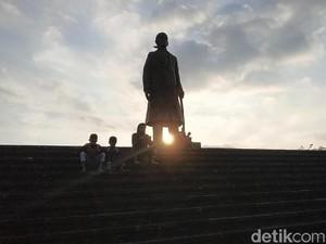 Monumen Jenderal Sudirman, Tempat Ngabuburit Favorit Warga Pacitan