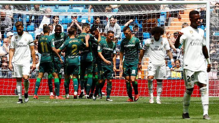 Real Madrid terpuruk musim ini karena kesalahan sendiri (REUTERS/Juan Medina)