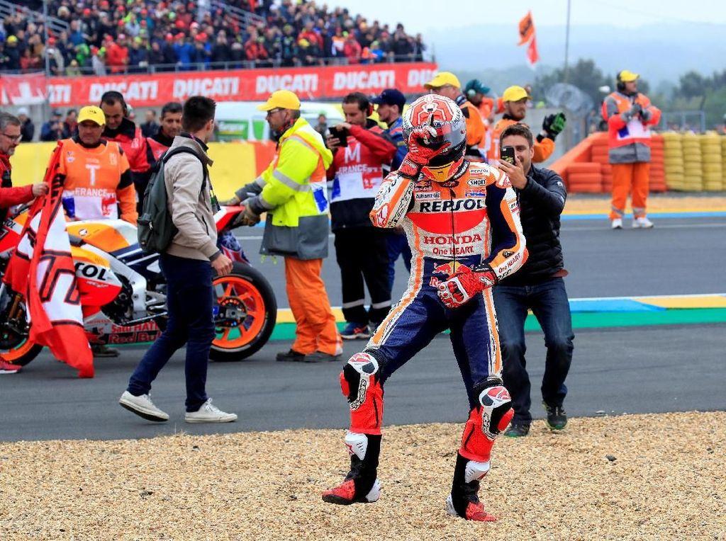 Marquez Persembahkan Kemenangan ke-300 untuk Honda di Le Mans