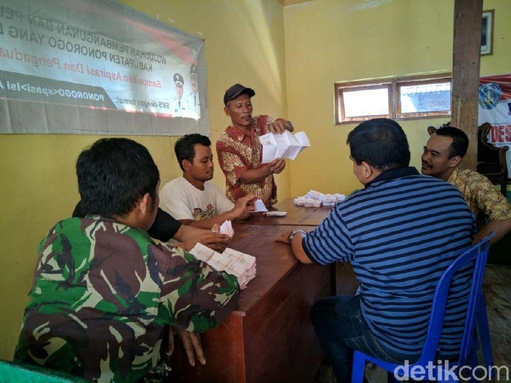 Diduga Ada Kecurangan Pilkades, Desa Ini Lipat Ulang Surat Suara