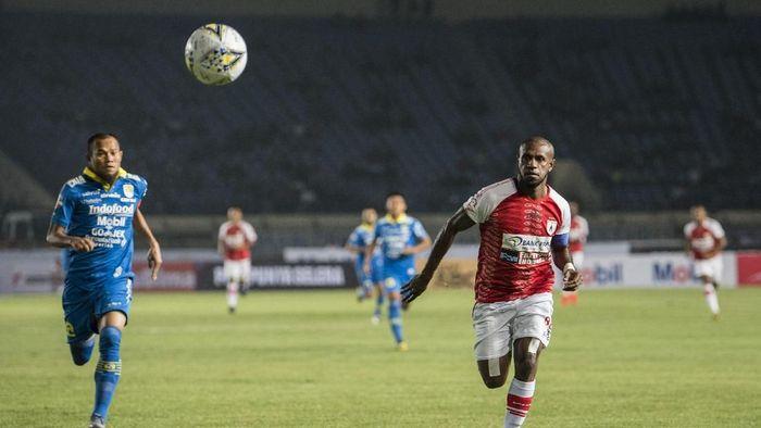 Persib Bandung menang 3-0 atas Persipura Jayapura. (Foto: Agung Rajasa/Antara)