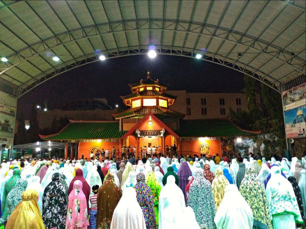 Sholat Tarawih Di Cheng Ho