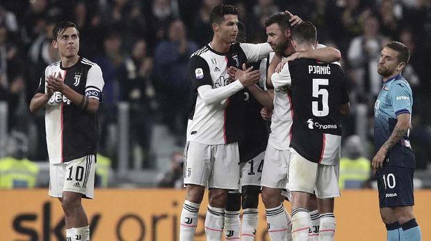 Man United tunggu keberanian Juventus dan Madrid membeli Paul Pogba.