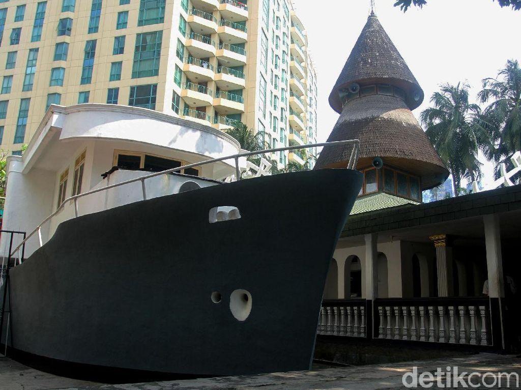 Wisata Religi ke Masjid Unik Berbentuk Perahu di Jakarta