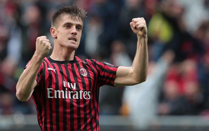 AC Milan berhasil menundukkan Frosinone dengan skor 2-0 saat bertanding di San Siro, Minggu (19/5/2019) malam WIB.
