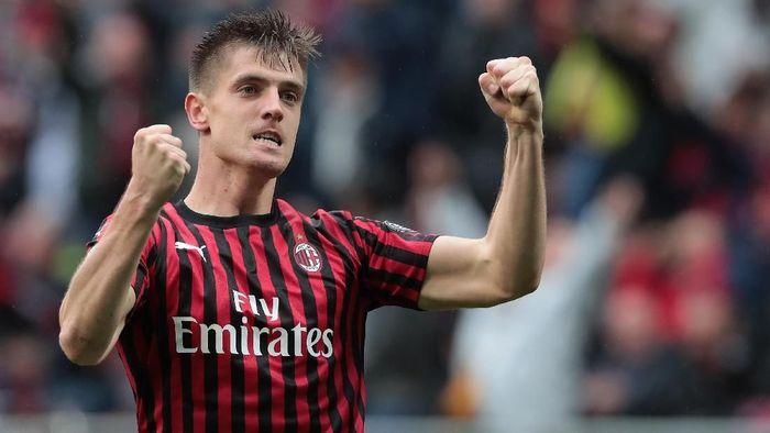 Krzysztof Piatek akan memakai nomor punggung 9 di AC Milan mulai musim 2019/2020 (Foto: Emilio Andreoli/Getty Images)