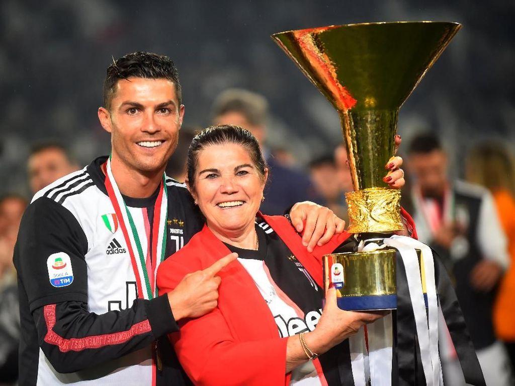 Ronaldo, Semoga Cepat Sembuh Ibumu