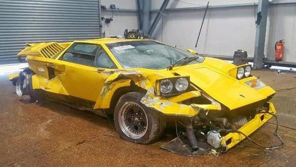 Wujud Lamborghini Remuk yang Dilelang Rp 5 Miliar