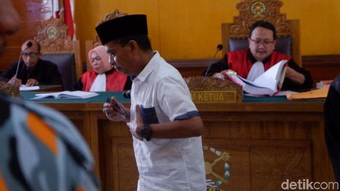 Priyanto buka-bukaan di sidang kasus mafia bola. (Uje Hartono/detikSport)