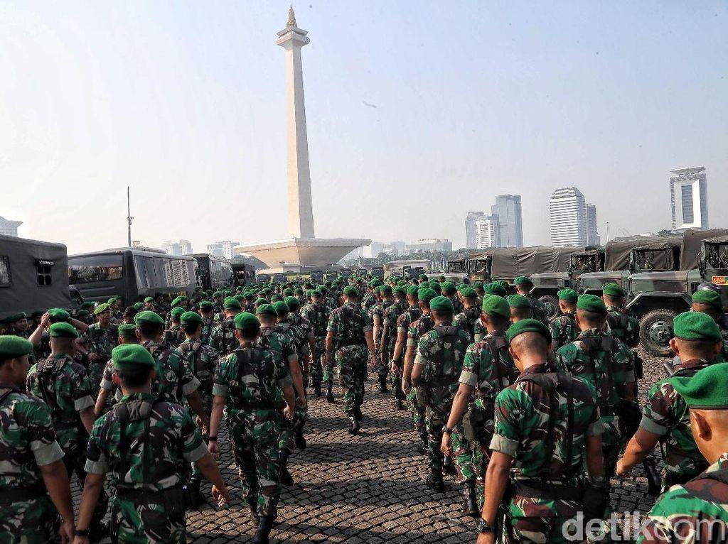 TNI Siapkan 32 Ribu Personel untuk Bantu Polri Halau Massa Rusuh