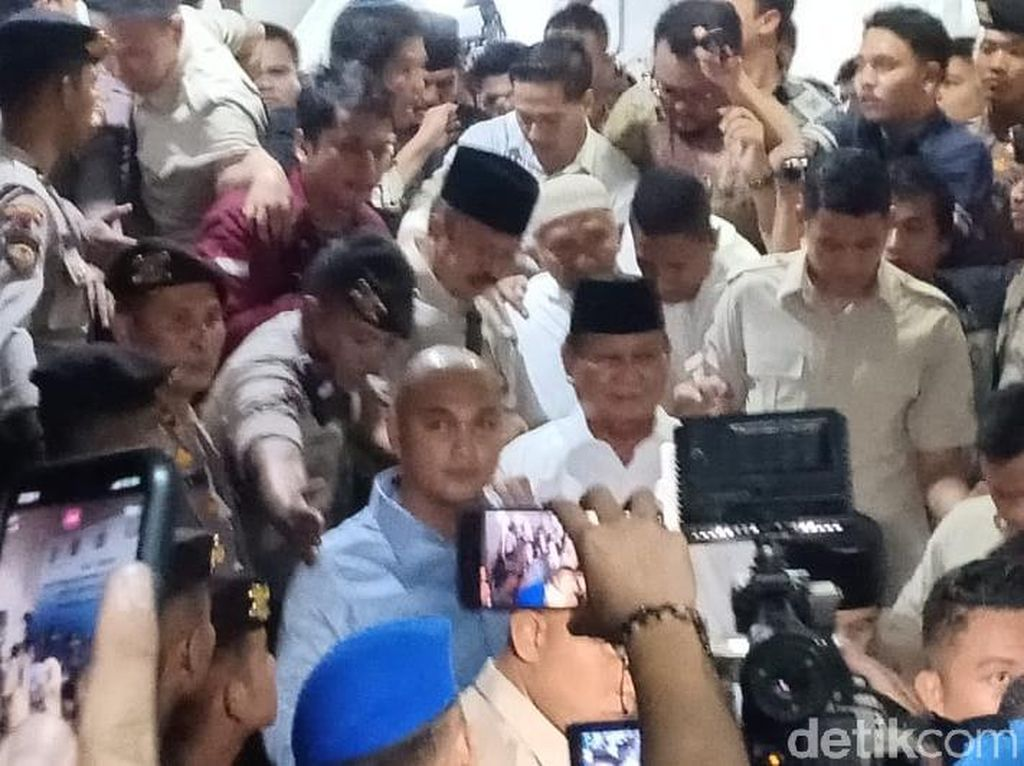 Bareng Amien Rais, Prabowo Tiba di Polda Metro untuk Jenguk Eggi-Lieus