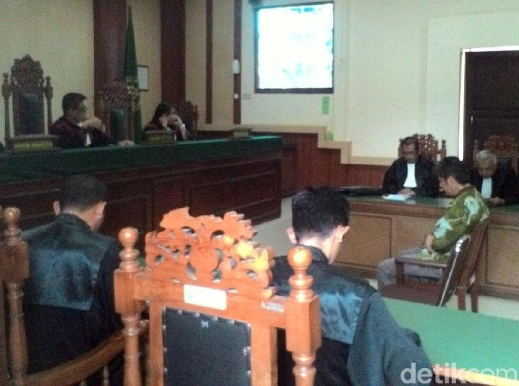 Kasus Meme PDIP, Pledoi Ketua IDI Wonogiri Minta Dibebaskan