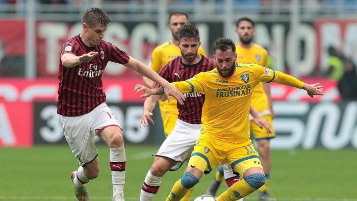 AC Milan taklukkan Frosinone 2-0. (Foto: Emilio Andreoli/Getty Images)
