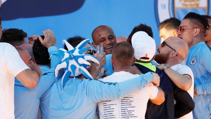 Vincent Kompany menyebut gelar juara Liga Champions harus jadi target Manchester City berikutnya (Foto: Lee Smith/Action Images via Reuters)