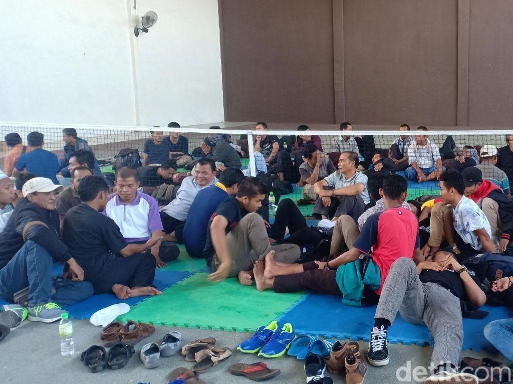 Razia Aksi 22 Mei, Polisi Amankan 2 Bus Isi 87 Orang di Tol Madiun