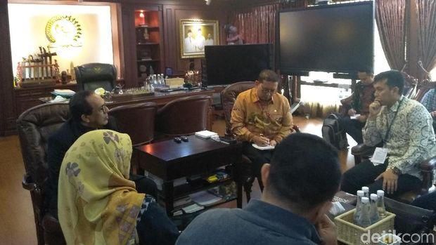 Wakil Ketua DPR Fadli Zon menerima audiensi dari keluarga Eggi Sudjana, Selasa (21/5/2019)
