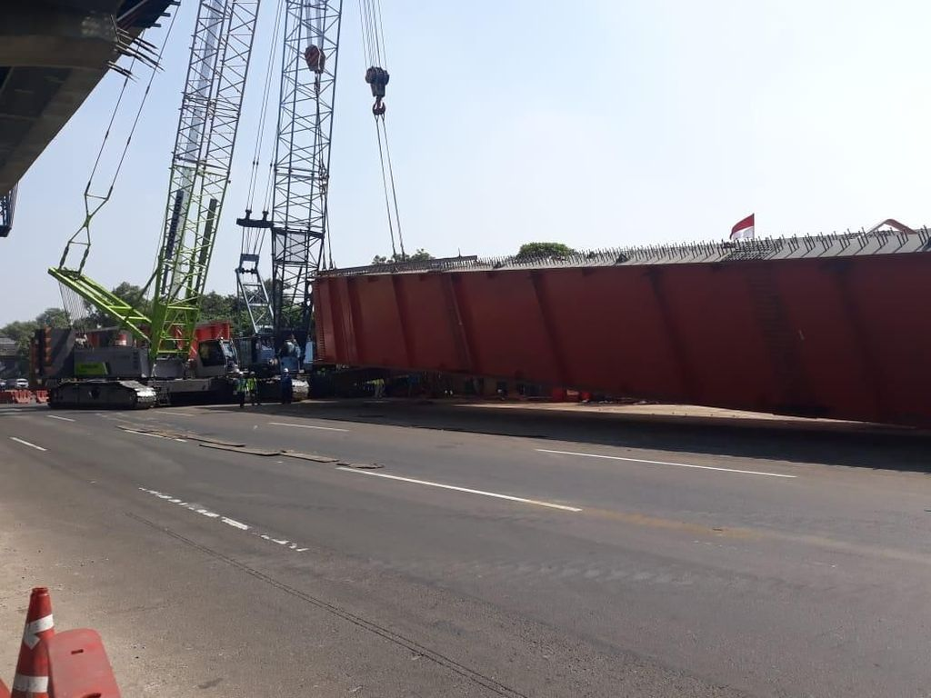 Jasa Marga Berlakukan Contraflow di Tol Cikampek Atasi Macet Parah