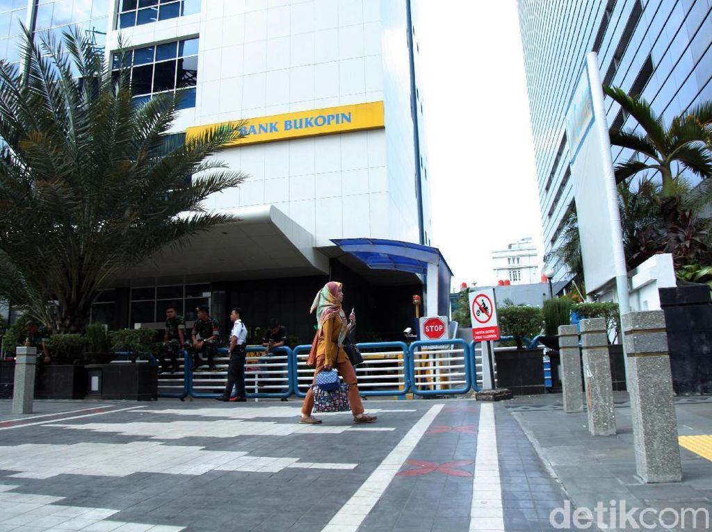Pekerja di Jakarta Keluhkan Mata Perih, Berapa Lama Efek Gas Air Mata?