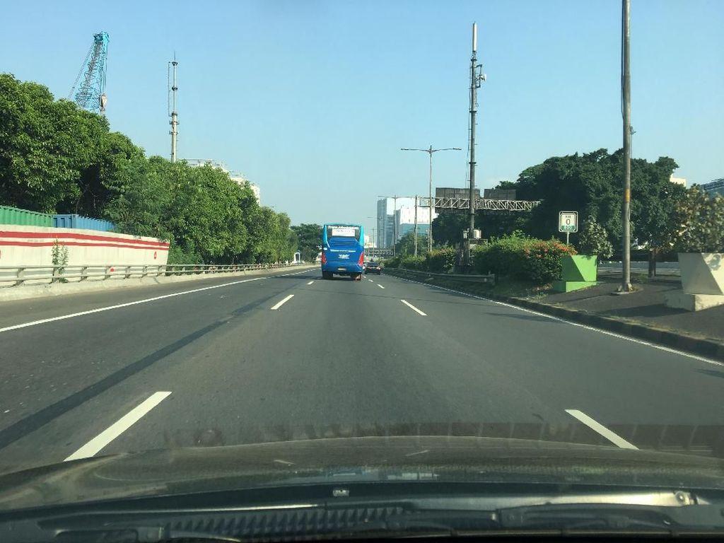 22 Mei, Lalu Lintas di Ruas Tol Dalam Kota Lancar Jaya