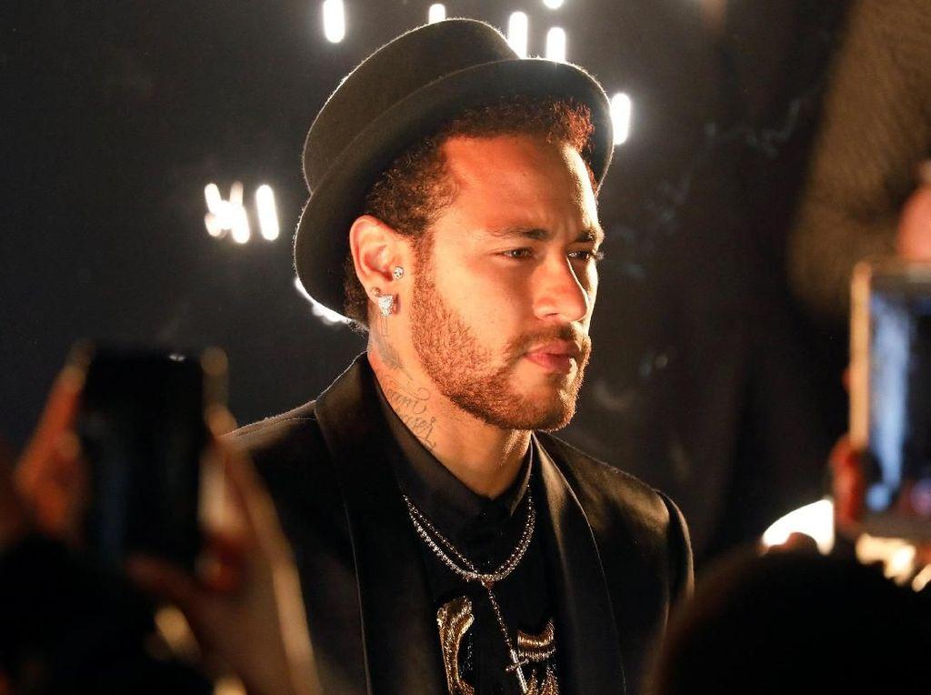 Bukan Cuma Dituduh Pemerkosa, Neymar Juga Dianggap Pecandu Narkoba