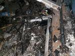 Pospol Sarinah Rusak Dibakar Massa
