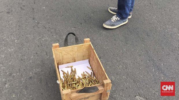 Massa Aksi 22 Mei Temukan Peluru Tajam di Dalam Mobil Polisi