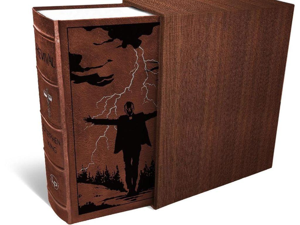 Novel Revival Stephen King Kini Lebih Menghantui