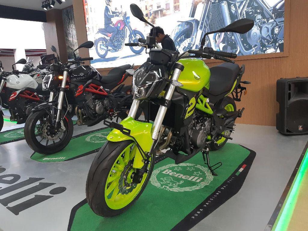 Motor Sport 250cc Benelli TNT 249S Lebih Ngacir