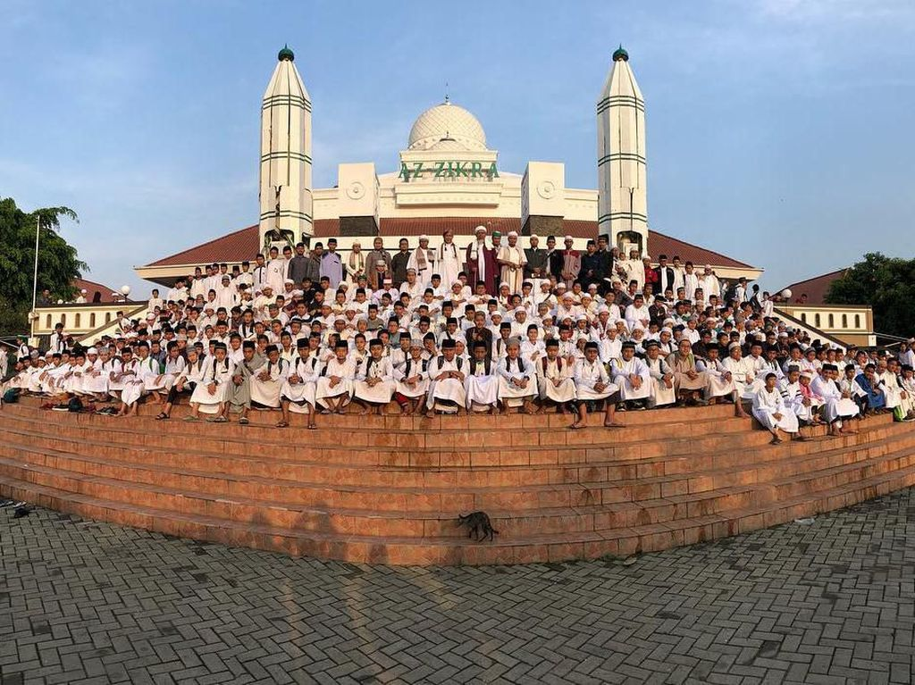 Menjelajah Masjid Az Zikra, Pusat Dakwah Ustaz Arifin Ilham